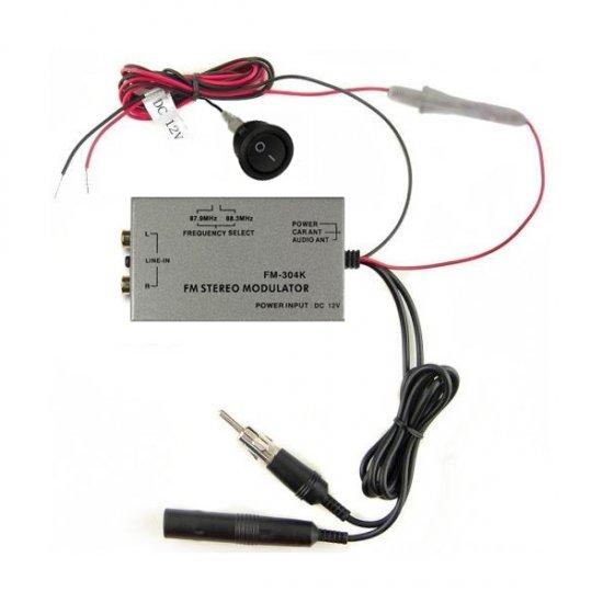 AUX IN via de universele bedrade FM modulator / transmitter over de antennekabel voor diverse autoradio's