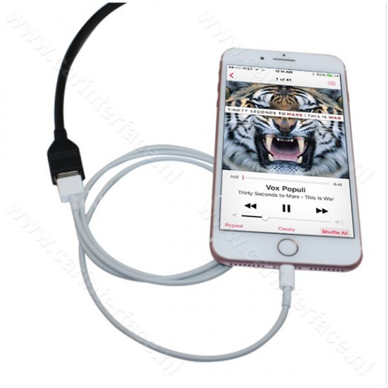 iPhone, iPod, iPad adapter naar 12-pin AUX poort van MFD3, RCD 210, RCD 310, RCD 510, RNS 310, RNS 510 en RNS-E